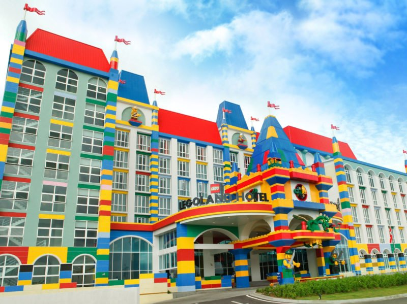 В Дубае откроют первый отель Legoland