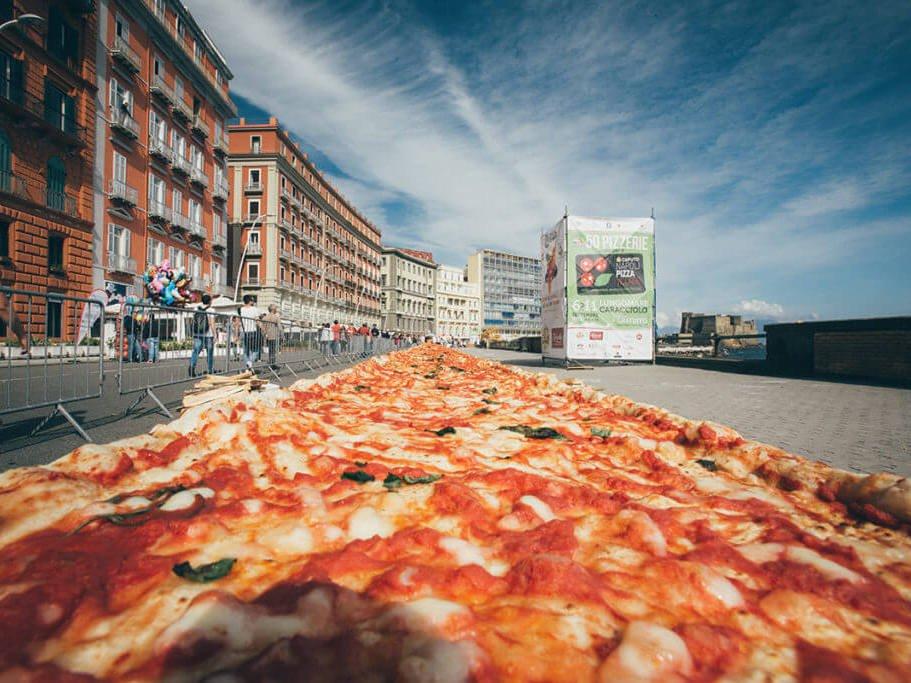PIZZA FEST IN NAPOLI