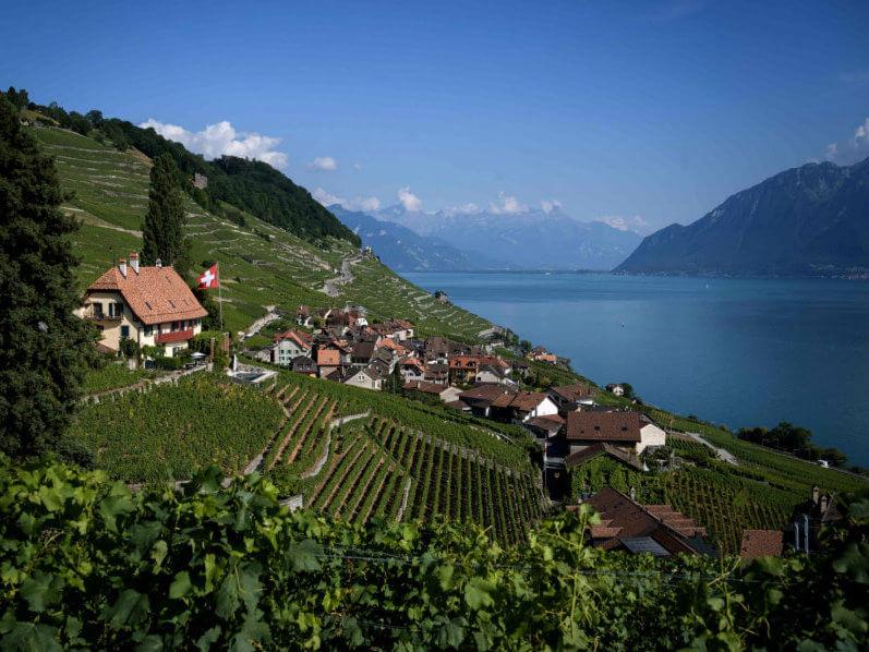 В Швейцарии продают дома за 1 евро