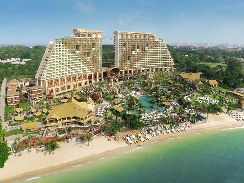Centara Grand Mirage Beach Resort Pattaya 5*, Северная Паттайя