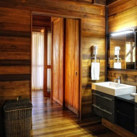 Zing-Zing-Bathroom1-1920x1005-900x471